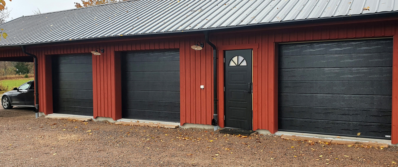 Garageportar i garagelänga